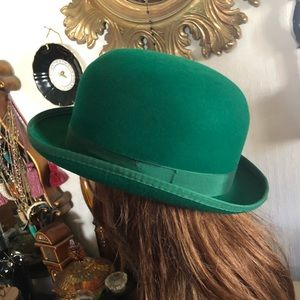 Vintage Kelly Green Wool Molded Hat